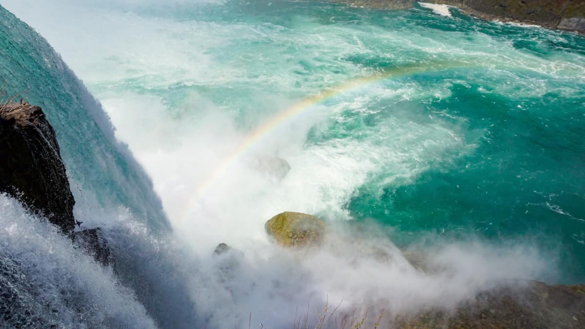 Niagara Falls in aTeacup